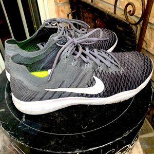 Nike Cross Fit Sneakers